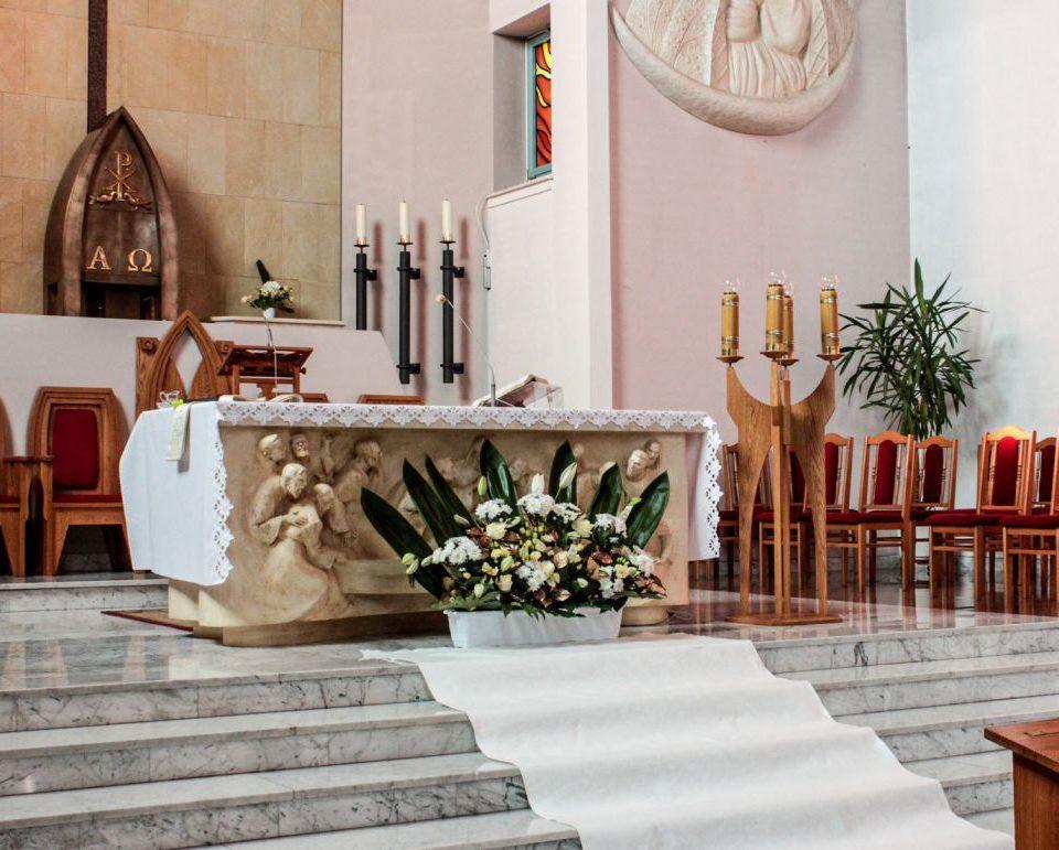 Dekoracja kościoła warszawa