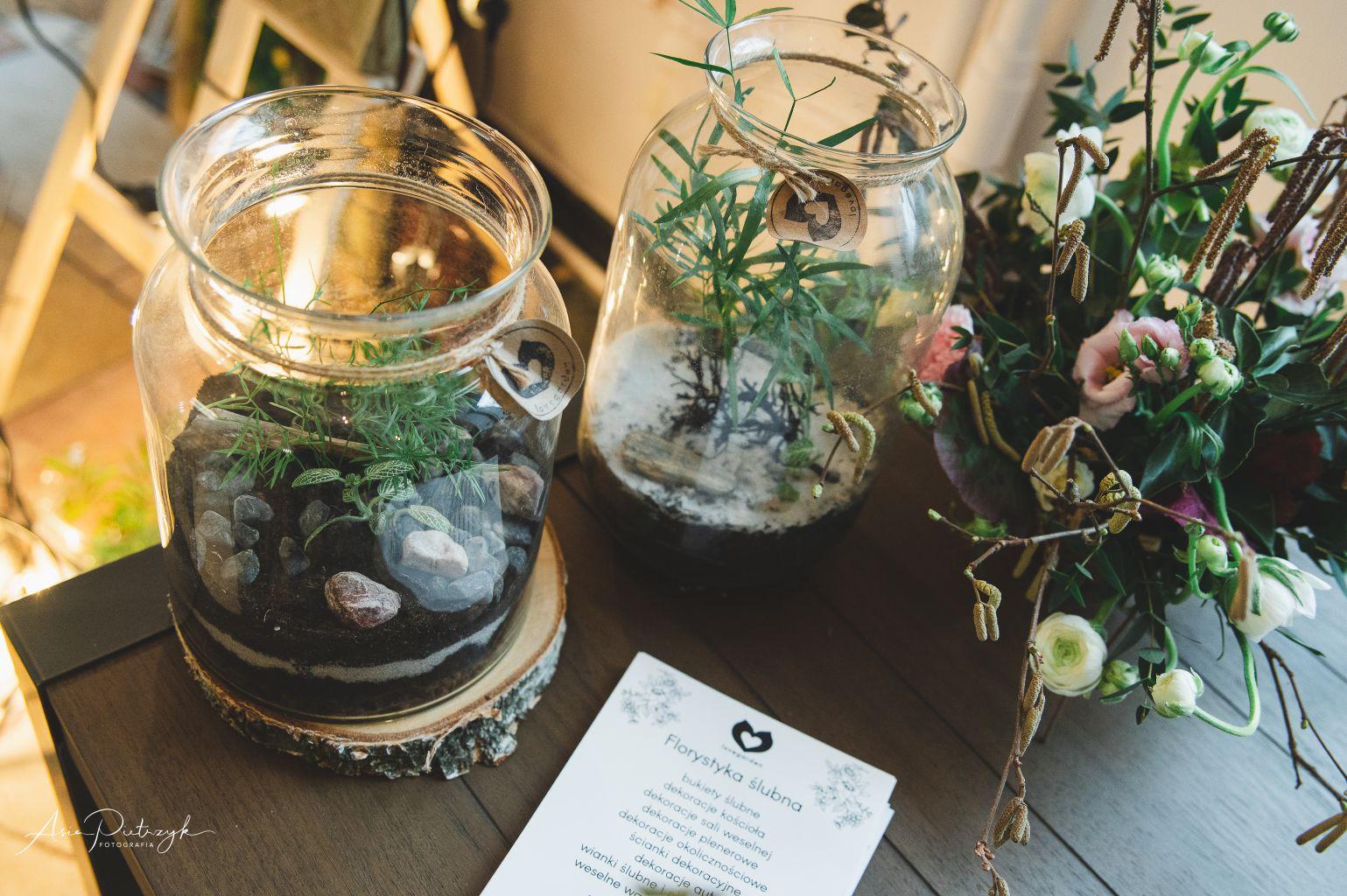 Lovegarden pracownia florystyczna - lasy w słoikach