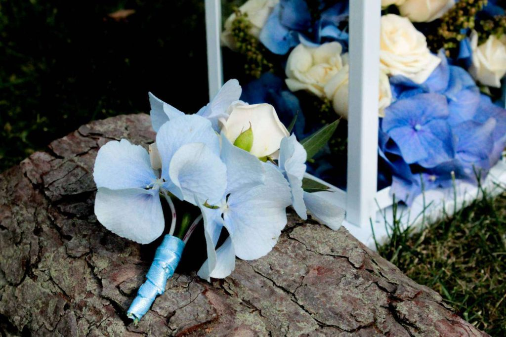 dekoracje ślubne - butonierka